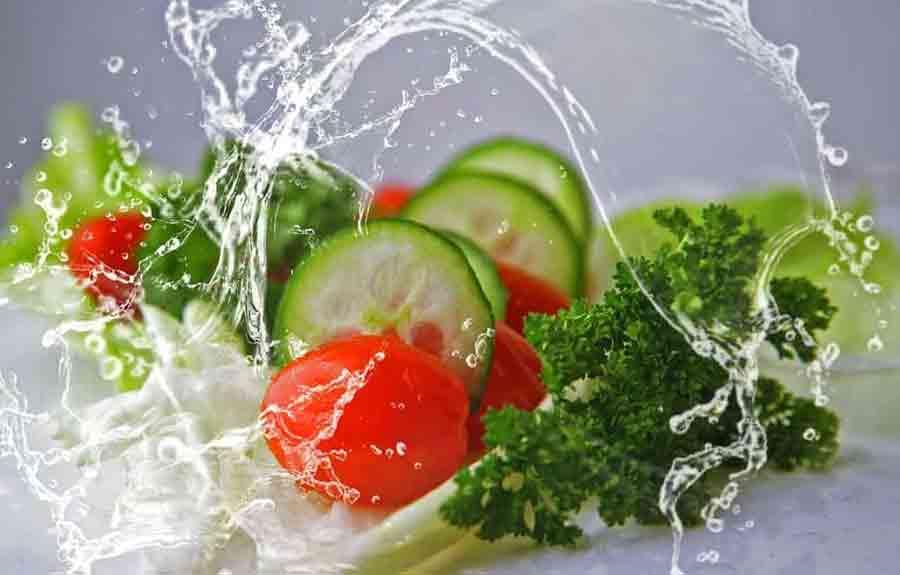 Cara Sehat Memenuhi Kebutuhan Cairan Tubuh